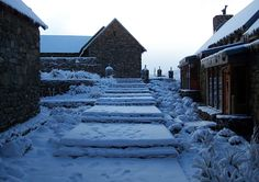 Thick snow at Tenahead Mountain Lodge close to Rhodes.