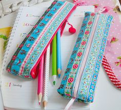 Pencil case made of ribbon