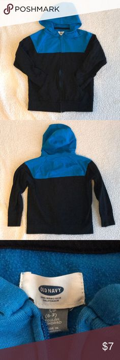 🥂Kids Old Navy Zipper Hoodie Sweatshirt Kids Old Navy Zipper Hoodie Sweatshirt. Black & blue. Size Small (6-7). Zipper, hood, pockets. Bundle with other kids clothes in my closet for a great deal! Old Navy Shirts & Tops Sweatshirts & Hoodies