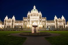 From cocktails by the fireside to glistening, frosty landscapes to fabulous shopping, here are 30 reasons to embrace winter in Victoria, BC! Victoria City, Victoria Bc Canada, Victoria British Columbia, Canada Christmas, Canada Shopping, Beautiful Places To Travel, Travel Activities, Winter Fun, Vancouver Island