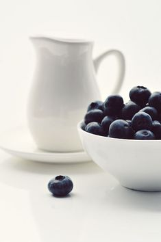 Okay, I really have something for these berries..     Still Life. 050 by ~AlexEdg on deviantART