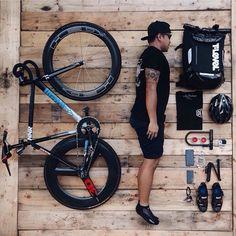 Cinelli + Bike Messenger, Urban Cycling, Fixed Gear Bike, Commuter Bike, Fresh Shoes, Brompton, Super Bikes, Bicycling, Urban Fashion