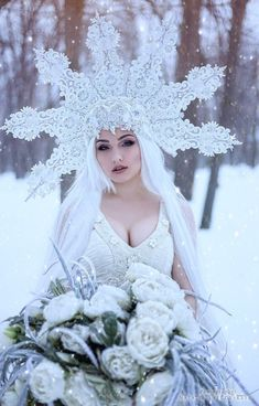 Snow Queen, Ice Queen, Aerial Costume, Hair Colour For Green Eyes, Dark Souls Art, Winter Fairy, Snow Fairy, I Love Snow, Red Wedding Dresses