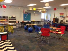 Alternative seating in my classroom! I love the idea of adding exercise balls for seating in a primary grade classroom to assist kinesthetic learners' Middle School Classroom, New Classroom, Classroom Setting, Classroom Decor, Classroom Organization, Classroom Management, Space Classroom, Classroom Images, High School