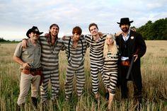 Walk Off The Earth: Gianni Luminati, Sarah Blackwood, Ryan Marshall, Mike Taylor and Joel Cassady.... LOVE THIS SONG!