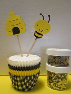 The+Bee's+Knees+Cupcake+Kit+by+DKDeleKtables+on+Etsy,+$12.00