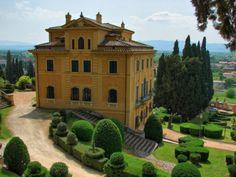 Il complesso di Villa Fidelia di Spello è interessato da lavori di restauro, consolidamento e valorizzazione del paramento murario settecentesco