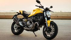 Ducati India has launched the 2018 Monster 821 street-fighter motorcycle in the country priced at an introductory Rs. lakh (ex-showroom) The Monster Family, Moto Ducati Monster, Ducati 821, Monster 1200, Jeep Compass Limited, Street Fighter Motorcycle, Bike Suit, Bike News, Jeep Renegade