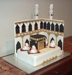 A Haj inspired cake Hajj Mubarak, Eid Food, Islam Ramadan, Designer Cakes, Ramadan Decorations, Fondant Cakes, Clay Crafts, Mosque, Beautiful Cakes