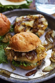 Juicy French Onion Chicken Sliders topped with melty swiss cheese and savory caramelized onions. Burger Recipes, Grilling Recipes, Cooking Recipes, Burger Menu, Kitchen Recipes, Diabetic Recipes, Meat Recipes, Dinner Recipes, Slider Sandwiches