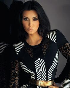 kim kardashian in bronze make up and strong smokey eyes-lovely