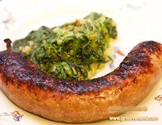 Домашние колбаски на гриле или в духовке.  Только натуральные ингредиенты, великолепный вкус, очень простой рецепт. 100% Ваша ручная работа :-) Не быстро, но результат того стоит. Неоднократно проверили сами :-)