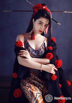 The Beautiful Chinese Actress Fan Bingbing Fan Bingbing, Style Oriental, Oriental Fashion, Asian Fashion, China Girl, Beautiful Asian Women, Asian Style, Traditional Dresses, Asian Woman