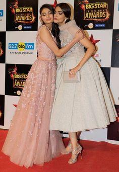 Sonam Kapoor and Athiya Shetty at BIG Star Entertainment Awards 2015. #Bollywood #Fashion #Style #Beauty #Hot