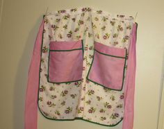 Vintage Apron by BuyBackYesterday on Etsy, $7.25