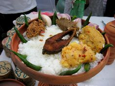 Bangladeshi cuisine: 9 top must-try traditional, authentic, famous foods and dishes from Bangladesh. Read the whole list at Travel Food Atlas. Bangladeshi Food, Bengali Food, New Year's Food, Indian Food Recipes, Ethnic Recipes, Evening Snacks, Street Food, Main Dishes, Kitchens