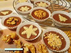 Šuhajdy s orechovou plnkou Christmas Cookies, Muffin, Food Porn, Gluten Free, Sweets, Baking, Breakfast, Cakes, Ds
