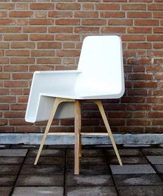 restaurant chair with storage for your handbag built-in!