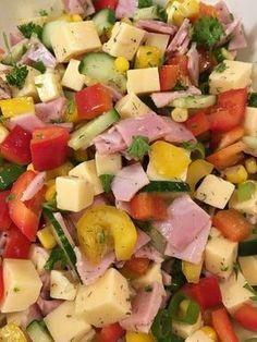 Bunter Käse-Schinken-Salat mit Dilldressing