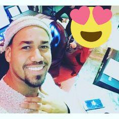 Instagram Romeo Santos, Latin Artists, Sexy Men, Beautiful People, Eye Candy, Haha, Husband, Instagram Posts, King Of Kings