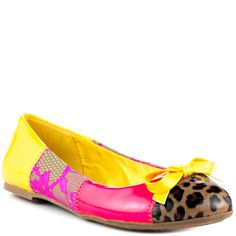Don't follow the fashion trends start one in the Fab! This multi colored flat features bright coral and yellow patent paring with floral and leopard fabric.