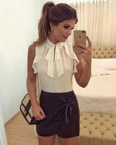 {P&B todo da @luluchicriopreto} Short saia de couro com detalhe lateral com regata! ♥️♥️ A loja envia para todo Brasil meninas, e tem mil looks lindos! • #ootn #selfie #blogtrendalert