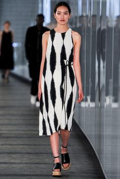 http://www.vogue.nl/fashion/shows/gallery/whistles-lente-zomer-2015/foto-wlz2015-63 Whistles Lente/Zomer 2015 (8)  - Shows - Fashion