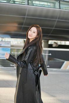 Korean Celebrities, K Idols, Kdrama, Actresses, Beauty, Twitter, Fashion, Places, Female Actresses