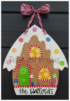 Gingerbread House Door Hanger for Christmas Check out this item in my Etsy shop https://www.etsy.com/listing/242192956/gingerbread-house-christmas-door-hanger