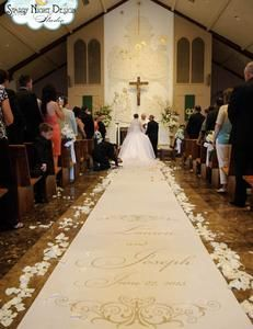 Golden aisle runner adds to colors of a Fall wedding by Starry Night Design Studio #fallaislerunners, #weddingaislerunners