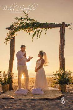 Sin duda alguna una ceremonia muy romántica e inolvidable, tu ceremonia de boda en playa. Bodas Huatulco