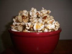 vermont-maple-almond-popcorn submitted by Ellen of Confessions of an Overworked Mom Homemade Desserts, Delicious Desserts, Yummy Food, Dessert Recipes, Dessert Ideas, Flavored Popcorn, Popcorn Recipes, State Foods, Wrap Recipes