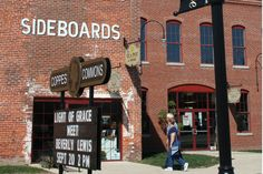 Coppes Commons- This transformed Nappanee landmark is a showcase of local shops and artisan activities. Quality crafted heritage products are offered in a nostalgic and historic atmosphere.