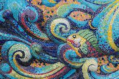 55218409-Colorati-pesci-mosaico-forma-d-arte-in-vetro-e-astratto-muro--Archivio-Fotografico.jpg (1300×866)