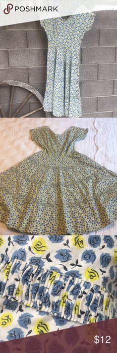 "Vintage As is 50's Dress Selling this darling for cheap so it hopefully finds a loving home that doesn't mind some repairs. This is a Kay Windsor original from the 50's. 100% cotton and circle skirt with pretty detail. It Needs seem repair on both sides.  And has a tare at the top back portion of the dress. Has some yellowing and a small pink spot on the front. Not super noticeable. All in all this is still a gorgeous and comfy cotton dress that could have a lot of life still.  Waist 13""…"