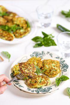 Beignets de courgettes à la ricotta, croustillants et moelleux, un délice ! Une recette italienne très facile
