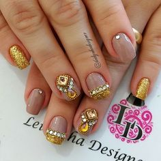Imagem relacionada Glam Nails, Dope Nails, Beauty Nails, Pretty Nail Art, Beautiful Nail Art, Egyptian Nails, Nail Jewels, Light Nails, Bride Nails