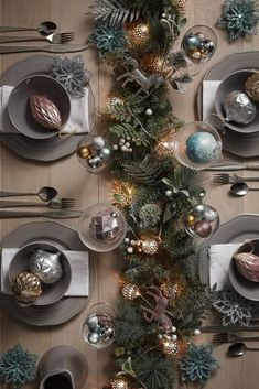 36 Ideas for christmas party decorations diy navidad Christmas Party Decorations Diy, Christmas Tablescapes, Holiday Decor, Holiday Tablescape, Green Christmas, Christmas Home, Handmade Christmas, Christmas Cookies, Christmas Holidays