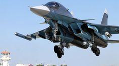 Bombardero Sukhoi Su-34 despega desde su base en Siria.