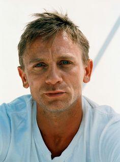 "Odds and ends about ""Skyfall"", and Daniel Craig, and other James Bond material. Rachel Weisz, Daniel Craig James Bond, Gorgeous Men, Beautiful People, Daniel Graig, Men Over 40, Best Bond, Z Cam, Famous Faces"