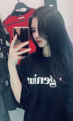 Pretty Korean Girls, Cute Korean Girl, Cute Girl Face, Cool Girl, Korean Beauty, Asian Beauty, Girl Pictures, Girl Photos, Look Fashion
