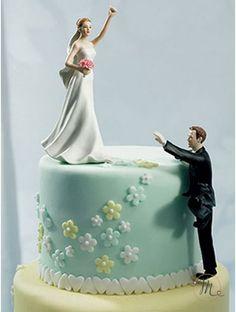 Cake topper - Scalata d'amore. Romantico, originale e personalizzabile.  In porcellana dipinta a mano, questo cake topper appartiene all'esclusiva collezione Weddingstar.  Misure: h 14.5 cm. Personalizzazione Gratis! #caketopper #cake #topper #wedding #matrimonio #weddingideas #ideasforwedding #figurastartanuptcial #hochzeitcaketopper #weddingday