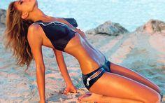 Hot Gilrs In Bikini Without Cloth