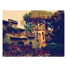 Like in a fairytale ❤ liked on Polyvore featuring backgrounds, buildings and pics