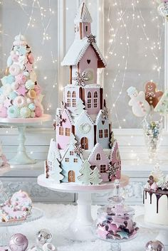 Whimsical Christmas Kitchen In Pastels - Summer Adams peggy porschen londen gingerbread house cookie stacked cake Whimsical Christmas Kitchen In Pastels - Summer Adams peggy porschen londen gingerbread house cookie stacked cake Gingerbread House Designs, Christmas Gingerbread House, Noel Christmas, Christmas Goodies, Christmas Desserts, Christmas Treats, Gingerbread Houses, Summer Christmas, Italian Christmas