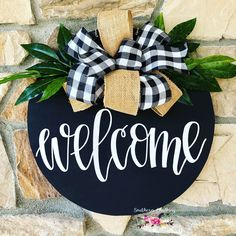 Farm house buffalo checkered welcome door hanger Wooden Door Signs, Wooden Welcome Signs, Diy Wood Signs, Fall Crafts, Christmas Crafts, Diy Crafts, Wood Crafts, Fall Craft Fairs, Diy Wooden Projects