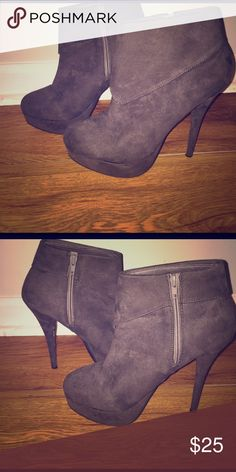 Suede ankle boots *Forever 21* Suede charcoal ankle boots , excellent condition Forever 21 Shoes Ankle Boots & Booties