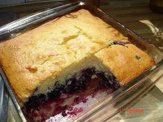 Le carnet gourmand de Simone: RENVERSÉ AUX BLEUETS Cookie Pie, Spanakopita, Cobbler, Cornbread, Blueberry, Cake Recipes, Biscuits, Deserts, Muffin