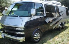"""Figure out additional information on """"rv remodel"""". Browse through our web site. Vintage Motorhome For Sale, Vintage Rv, Vintage Trailers, Rv Motorhomes, Gmc Motorhome, Camper Trailer For Sale, Trailers For Sale, Gmc Motors, Cool Rvs"""