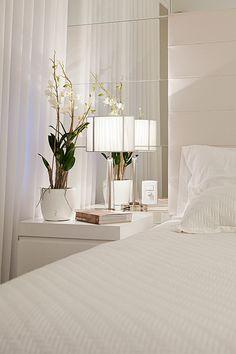 Designer Bedding Sets On Sale Mirrored Bedroom Furniture, Master Bedroom Interior, Guest Bedroom Decor, Bedroom Bed Design, Small Room Bedroom, Home Bedroom, Interior Design Living Room, Living Room Designs, Dream Rooms
